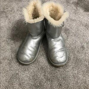 UGH boot shiny silver size 5